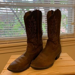 Size 9 Ariat Boots